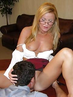 Moms Pussy Lick Pics