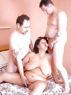 Moms Threesome Pics